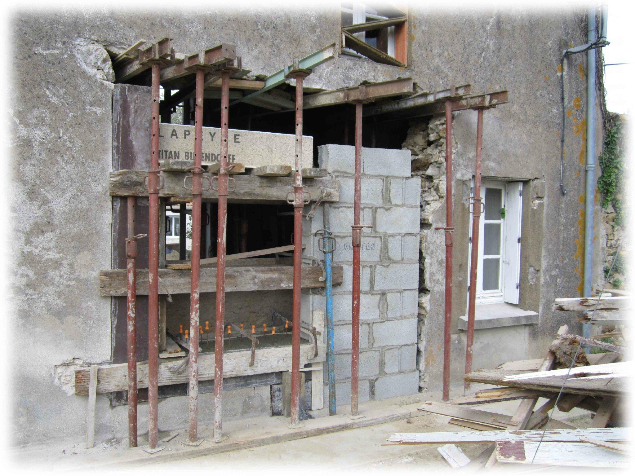 Fen tres du salon notre maison tout un projet for Fenetre mur porteur