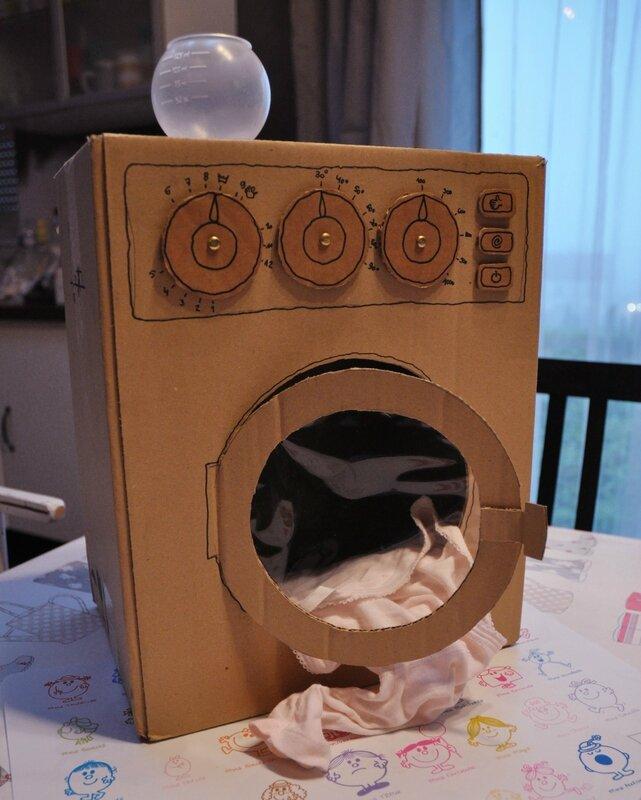 cr ation une machine laver en carton fnych. Black Bedroom Furniture Sets. Home Design Ideas