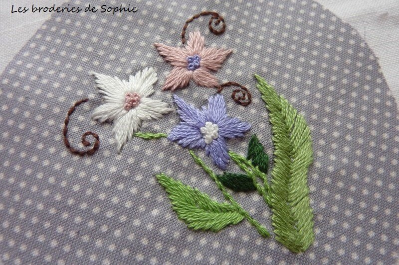 Broches brodées (6)