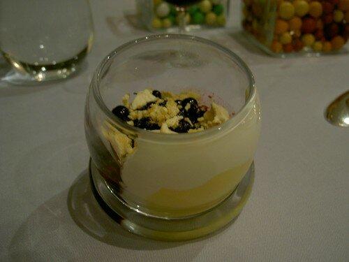 Citron crème de lait et myrtilles tièdes