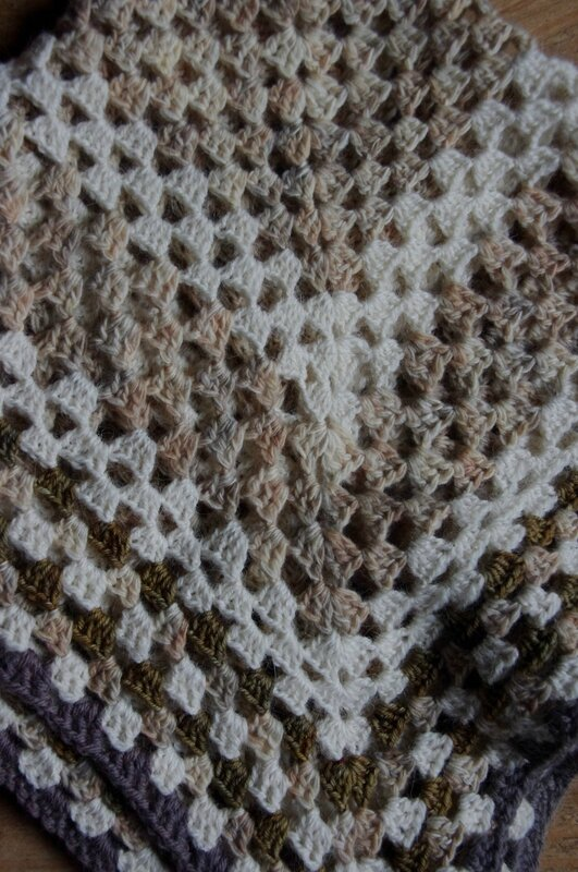 Feedefil-couverture au crochet (2)
