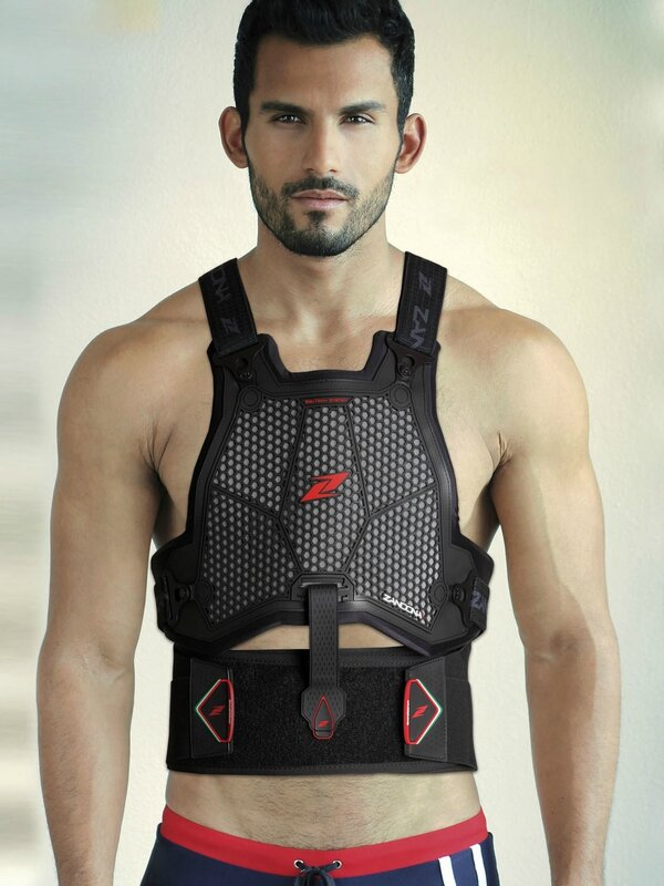 airbag giletESATECH%20ARMOUR%20PRO_with%20model