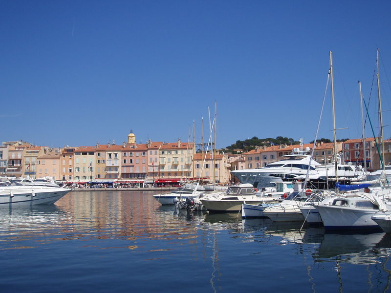 Un village de Stars (Saint Tropez, avril 2006)