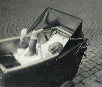 bebe ds sa poussette 1935