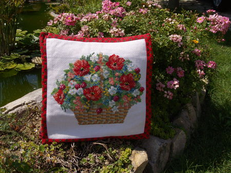 coussin_brod__Coquelicots
