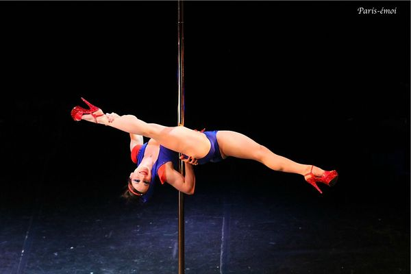 pole dance 2012-7930bnA copie