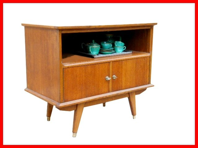 mini buffet meuble tv vintage style scandinave vendu meubles et d coration vintage design. Black Bedroom Furniture Sets. Home Design Ideas