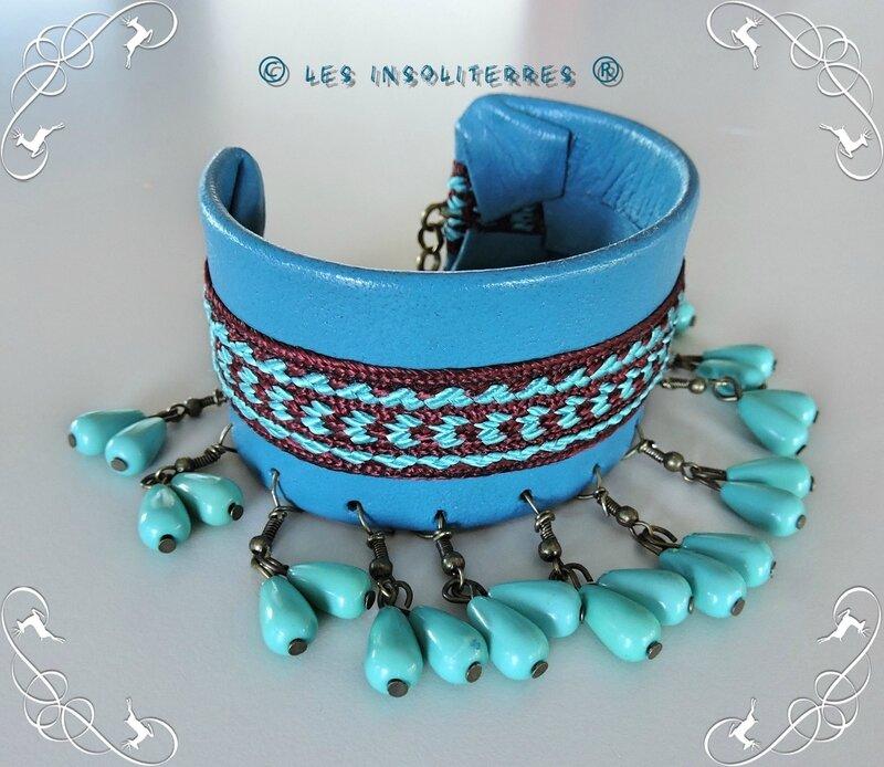 bracelet manchette cuir bleu breloques 1