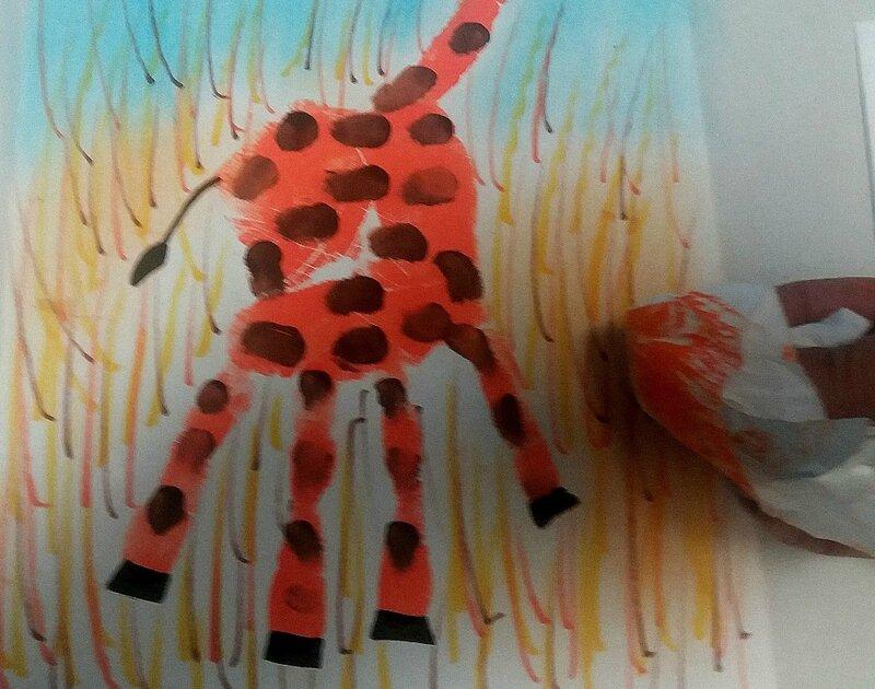 219_Afrique_Une girafe dans la main (60)