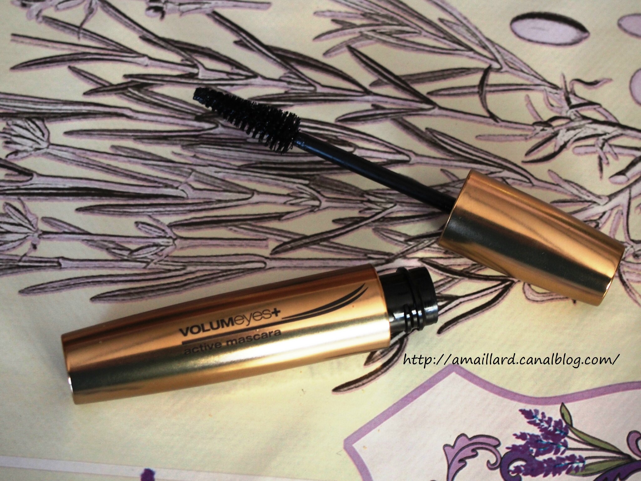 ZOOM SUR..... MASCARA VOLUMEYES+ KIKO:PRESENTATION/DEMO.....