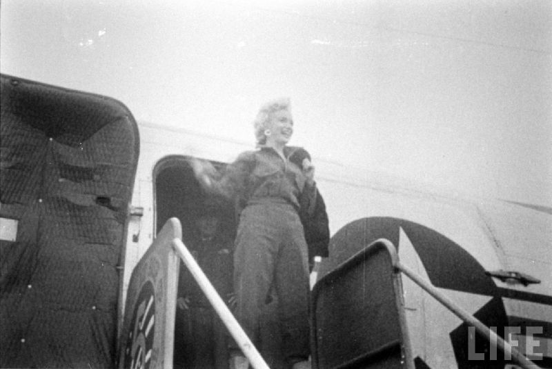 1954-02-16-2_seoul-1-base_K16-arrive-011-by_yale_joel-1