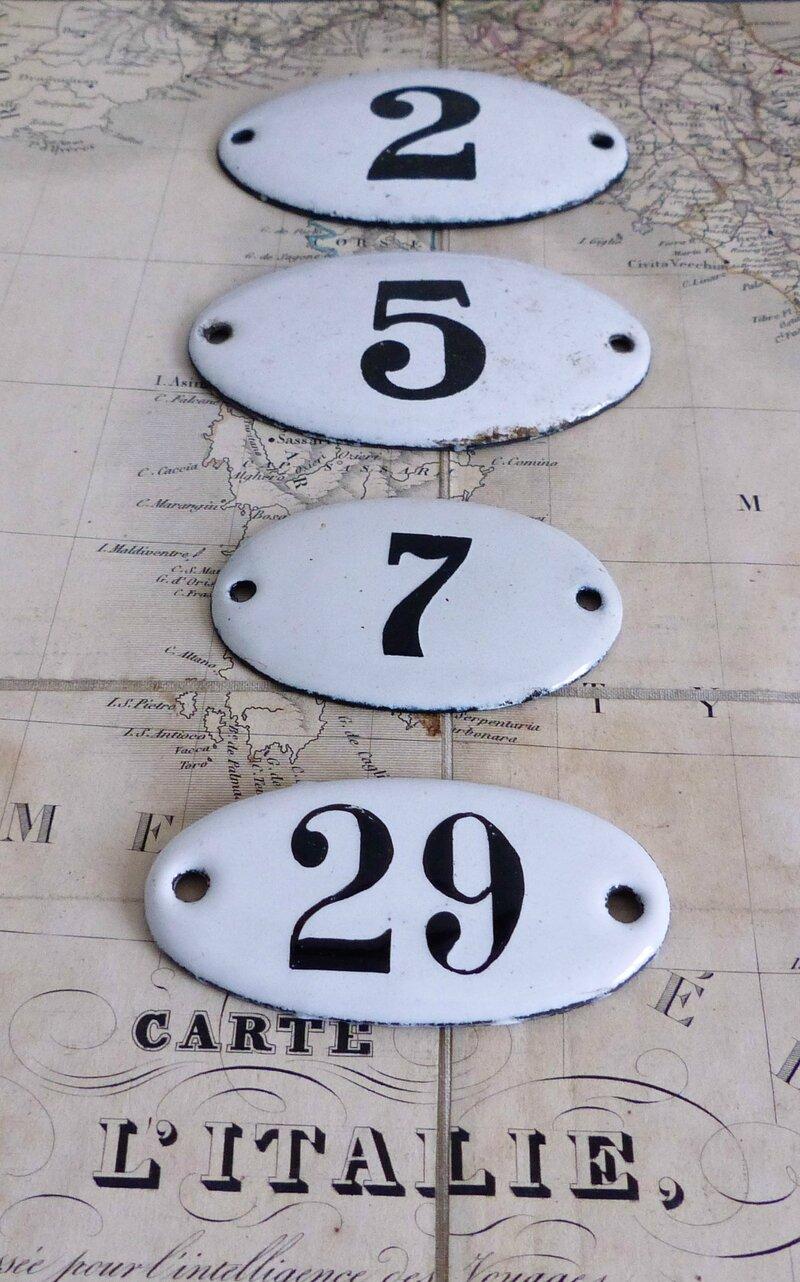 2014-07 Plaques émaillées numéros d'hôtel (5)