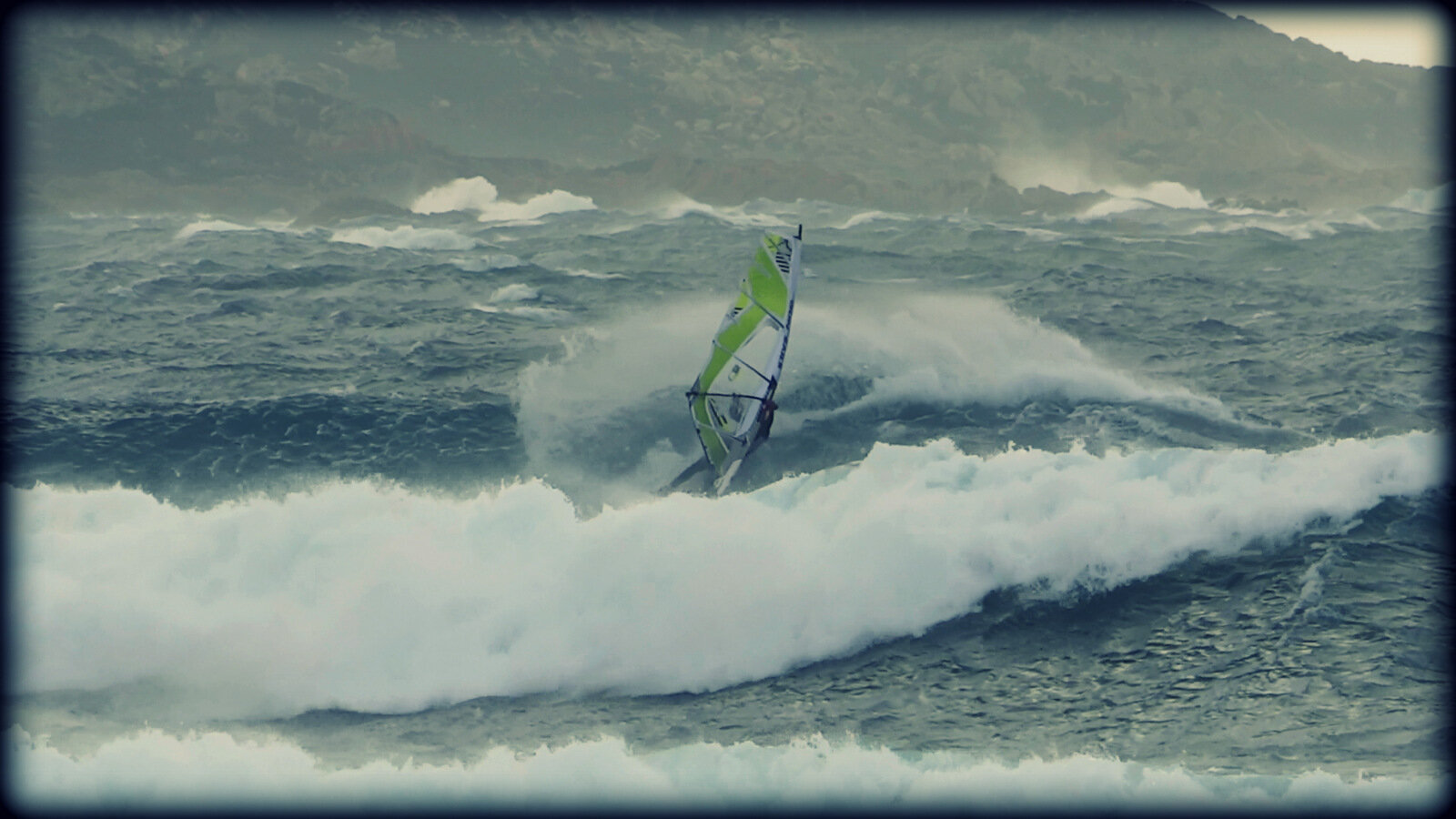 VIDEO // LE ROLLER SLASH WINDSURF ...