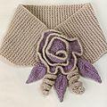 Création au #tricot n°10 : echarpe-col fleurie