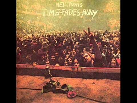 IL 171204 Time fades away