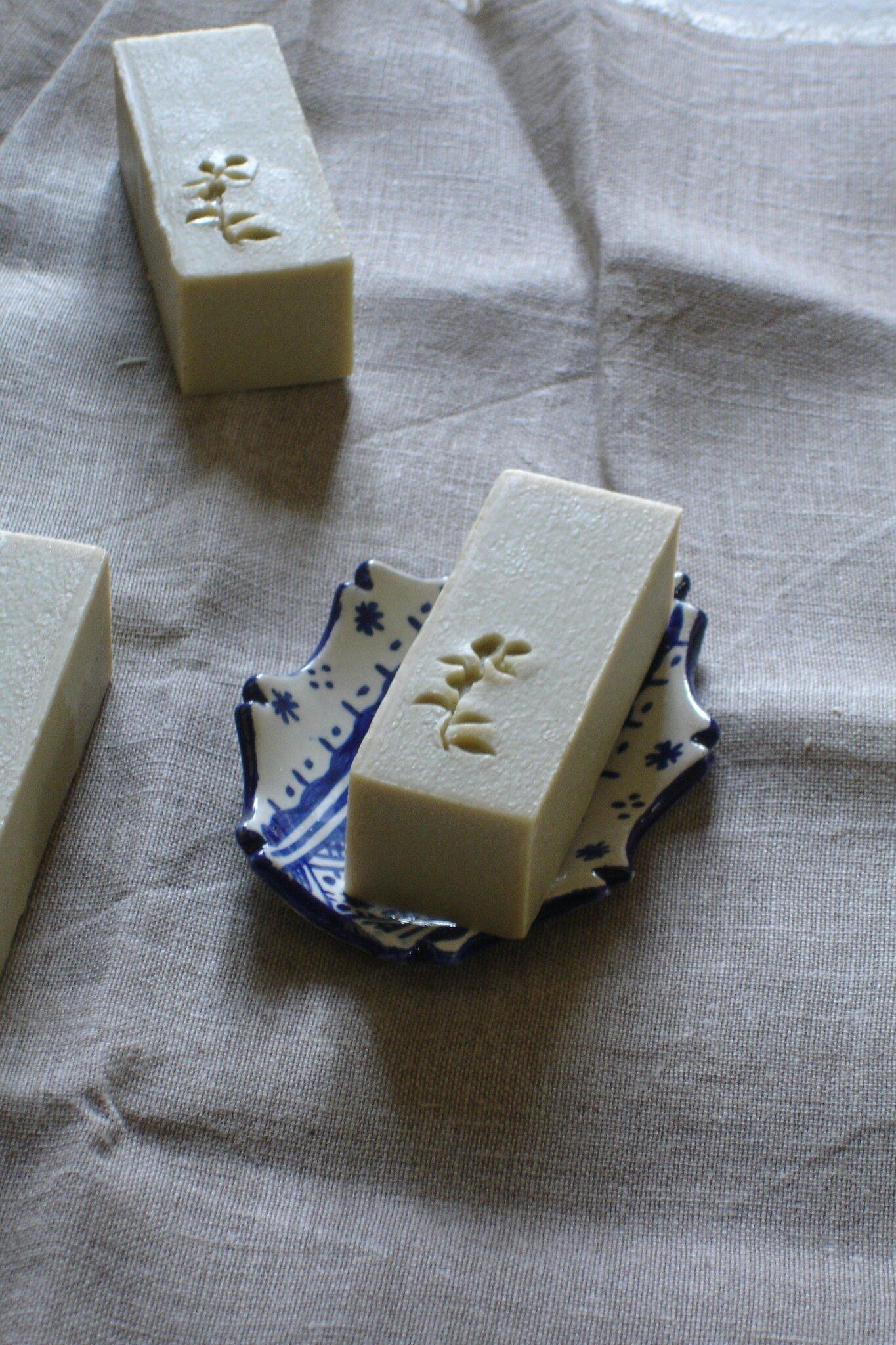 le savon de castille pour apr s demain potions et chaudron recettes de cosm tiques naturels. Black Bedroom Furniture Sets. Home Design Ideas