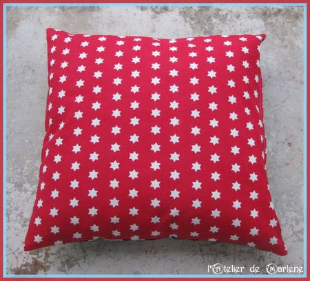 coussin face rouge