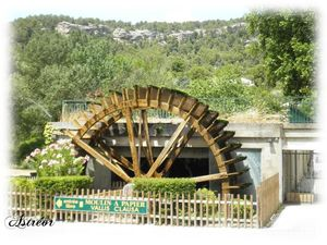 Fontaine_de_Vaucluse41