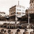 Biarritz en 1940 devant l'entrée du Casino