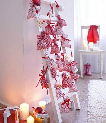 stmas-advent-calendar-ideas-days-till-christmas-craft-gifts-in-bags-ladder-red-white-living-room--upcycle-easy-kids-carft-diy-fun-cute-shabby-chic-decoration