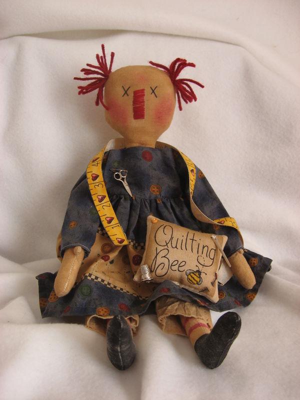 Lizzie et la couture.