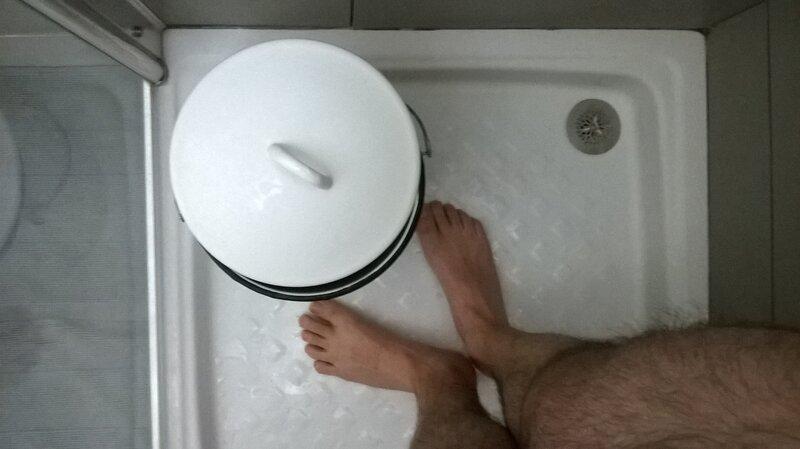 geste 20 j 39 conomise nu sous ma douche le fil de l 39 eau. Black Bedroom Furniture Sets. Home Design Ideas