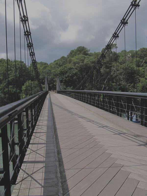 Pont suspendu de Bono
