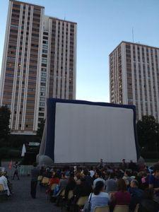 Festival Cinéma en plein air, au clair de lune, place des fetes,ecran 2