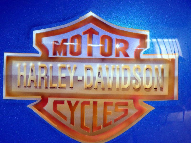 logo harley davidson raymond planchat peintre a rographie tous supports lyon. Black Bedroom Furniture Sets. Home Design Ideas