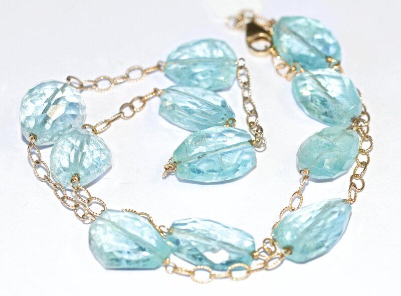 aquamarine-1380334_1920