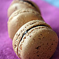 MACARONS au CHOCOLAT NOIR