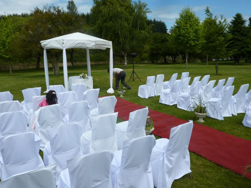 mariage en plein air interesting une crmonie de mariage en plein air luivoire golf club. Black Bedroom Furniture Sets. Home Design Ideas