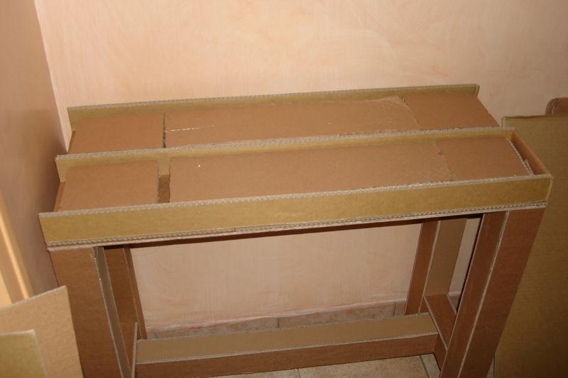 en cours une console en carton bien sur bienvenue dans mon petit atelier. Black Bedroom Furniture Sets. Home Design Ideas