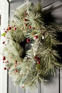 natural_christmas_decorations_for_front_door
