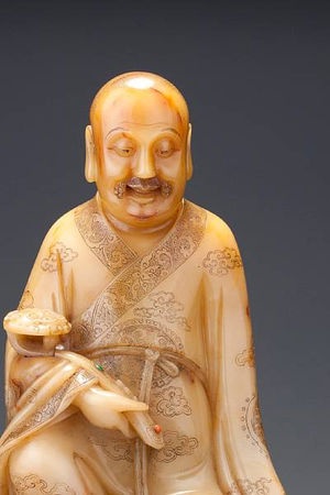 A_large_carved__huang_furong__figure_of_a_luohan3