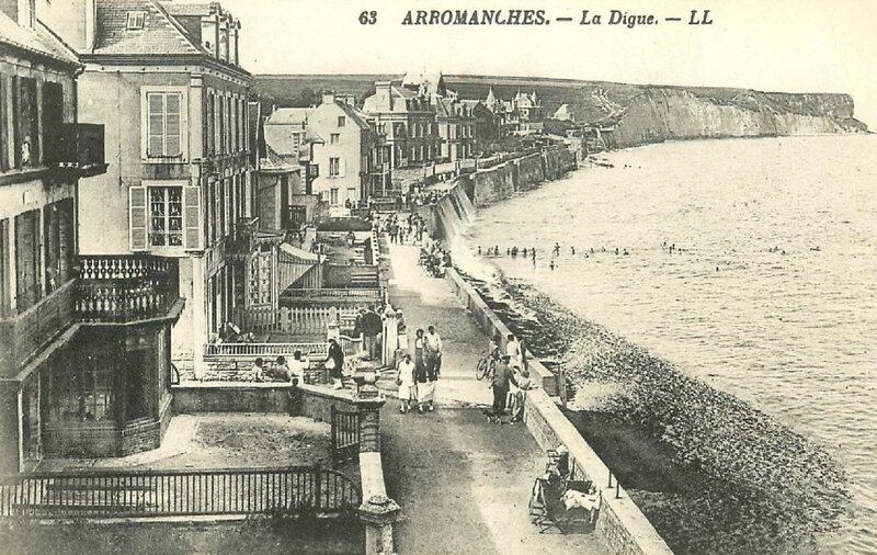 Arromanches, la Digue, carte postale LL