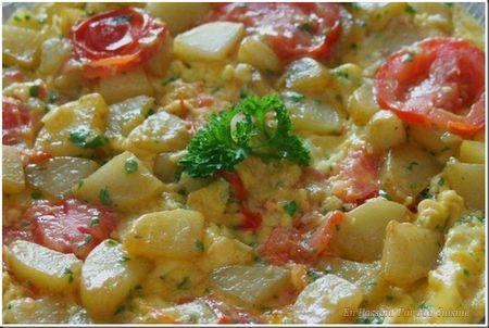 omelette aux pommes de terre et tomate_1