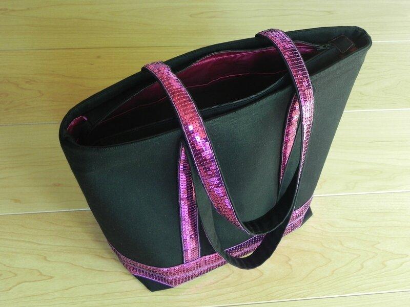 sac vb noir et fushia extérieur
