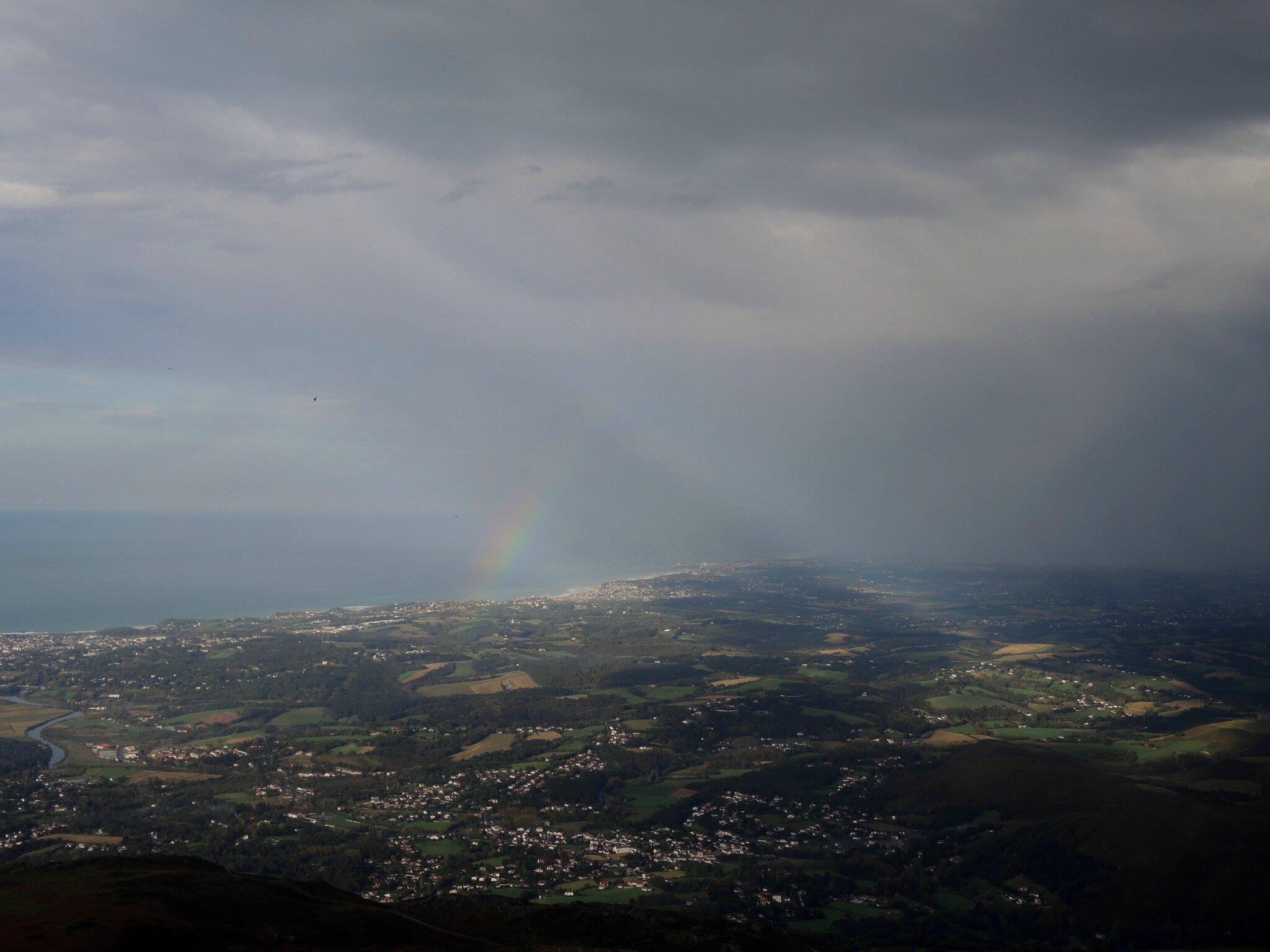 La Rhune, côte basque et arc-en-ciel