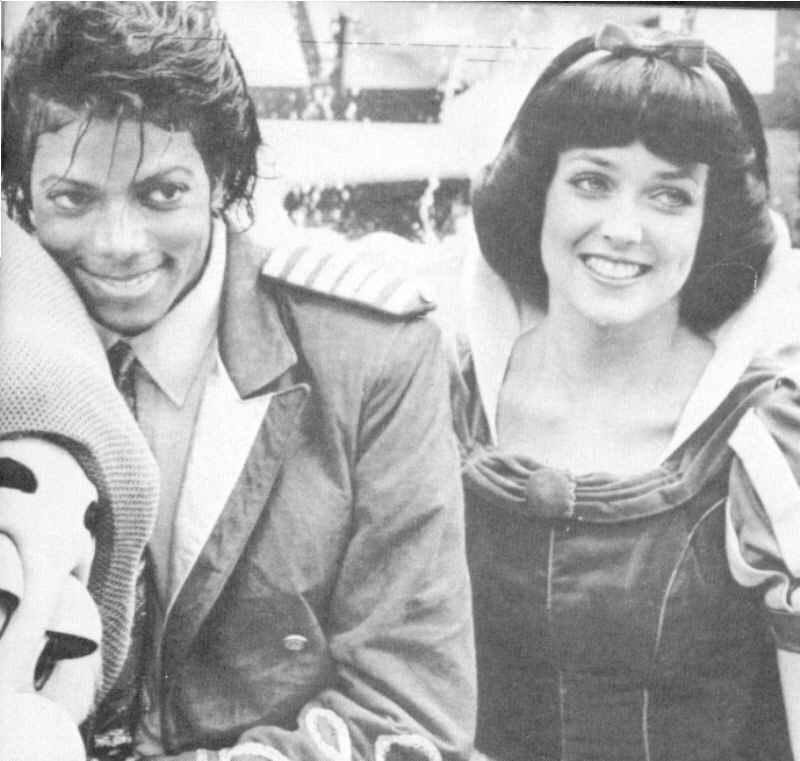 Michael-with-Snow-White-michael-jackson-8357852-800-761