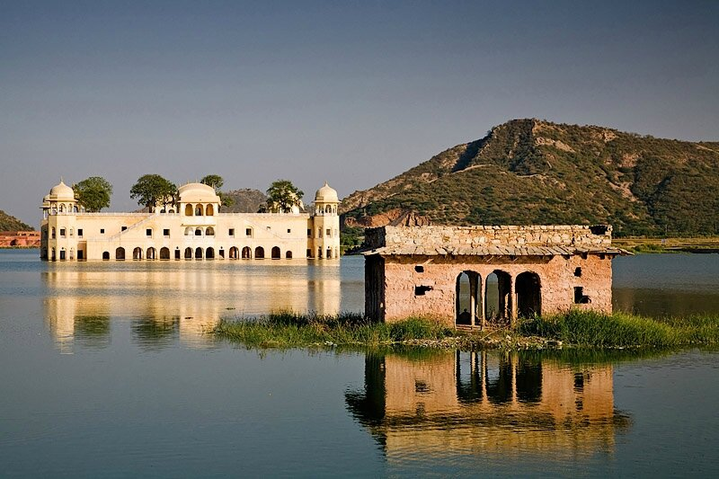 jaipur_lake_palace-w2