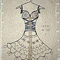 robe dentelle porte bijoux fil de fer