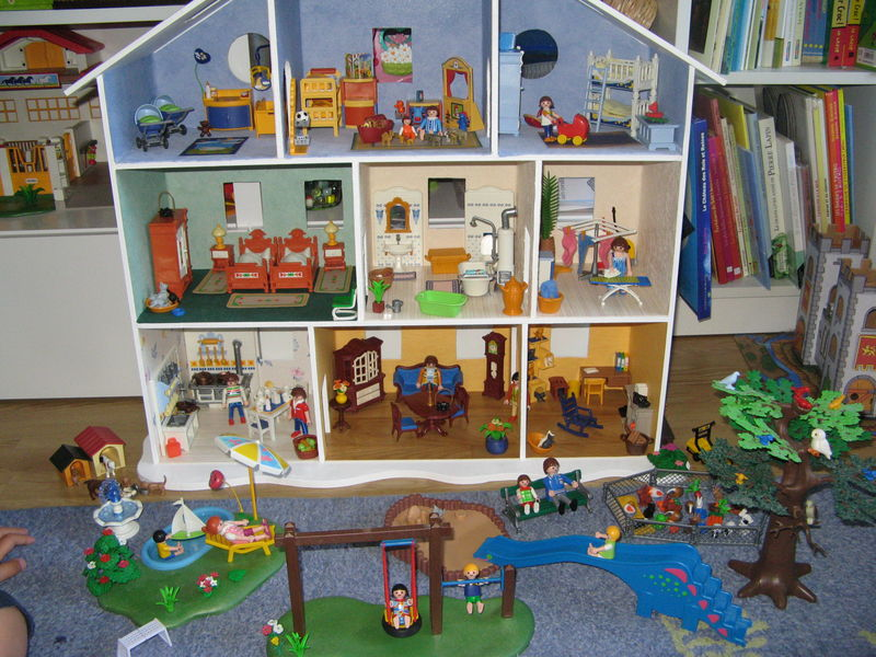 Les photos de la maison playmobil le nuancier de marie - Comment faire une ville lego city ...