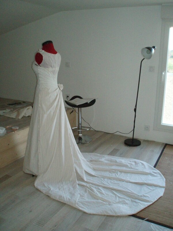 2014-04-20,robe Mady drap├® dos et tra├«ne (23)