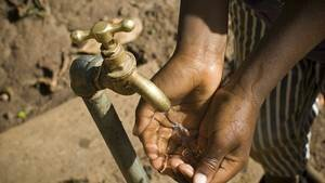 selon-les-estimations-quelque-900-enfants-mouraient-chaque-annee-a-cause-de-l-eau-non-traitee-en-papouasie-nouvelle-guinee_67284_w300