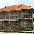 Guadeloupe : une maison coloniale en grande terre ......