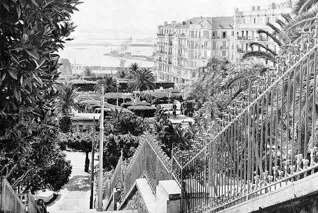 Alger-L'escalier vers le gouvernement général de