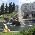 jet d'eau jardin PETERHOF castle