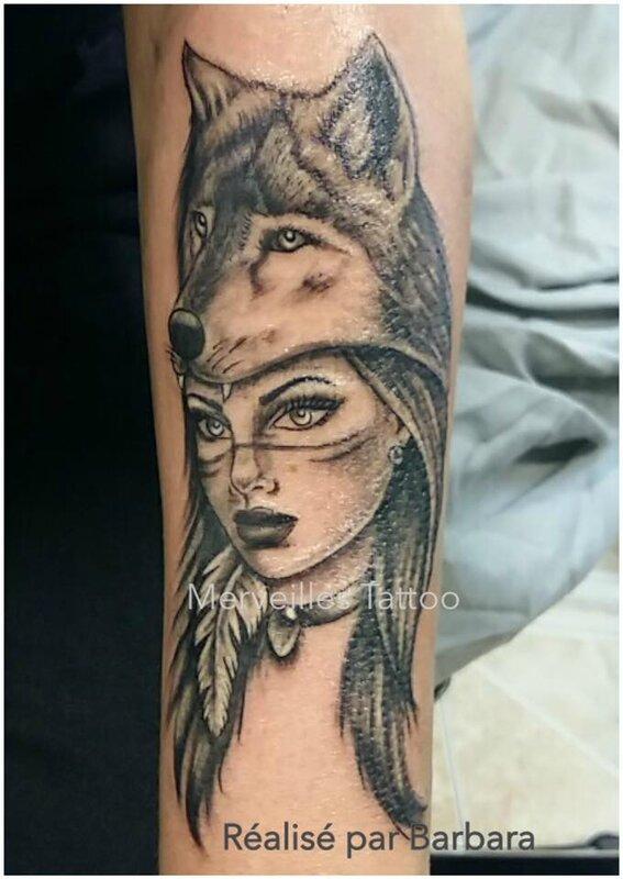tattoo, femme, loup, merveilles tattoo, salon de pce