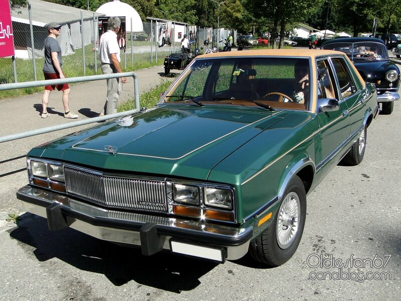 mercury-zephyr-sedan-1978-1983-01